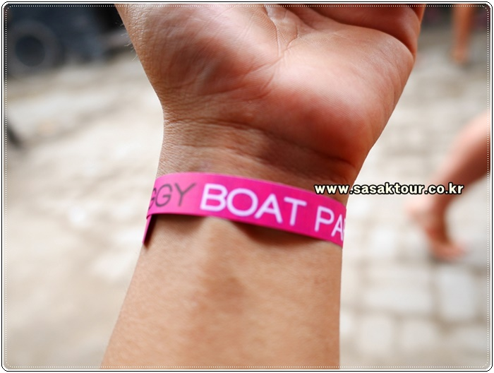 partyboat45f9b4b0bc69aea95a97c738540b88ca.JPG