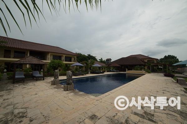 lombok beach villa021.jpg