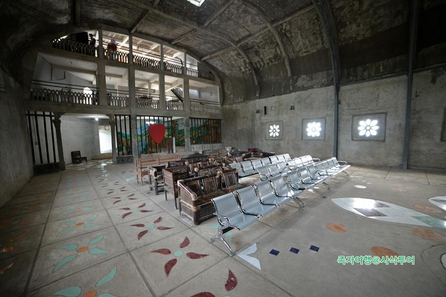 족자카르타 닭교회060.JPG